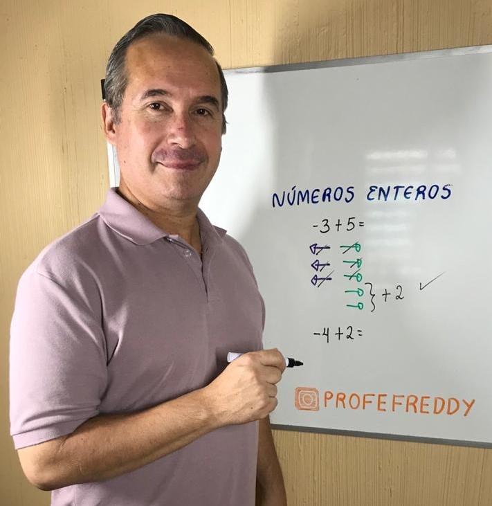 Freddy Contreras, el maestro venezolano que triunfa en redes sociales con divertidos trucos de matemática
