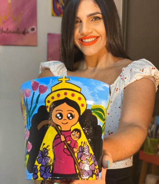 Aymari Criollo refuerza el amor propio a través de Materitos,  el emprendimiento artístico que crece con éxito en Chile